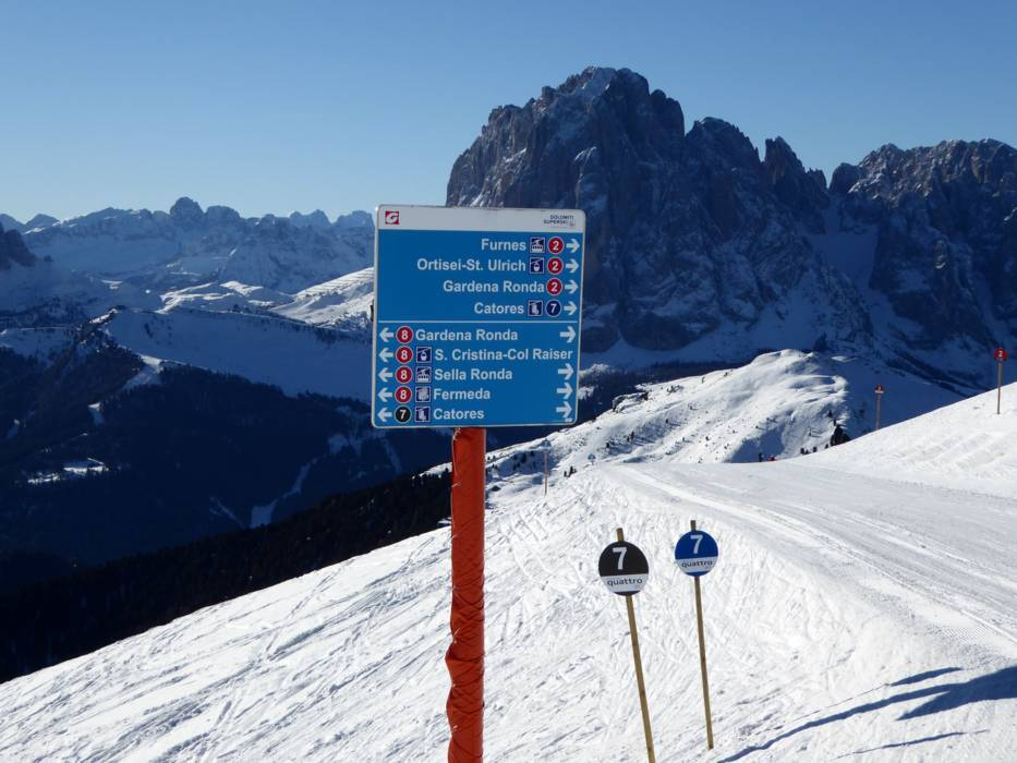 Orientation Val Gardena Grden information boards signpostings