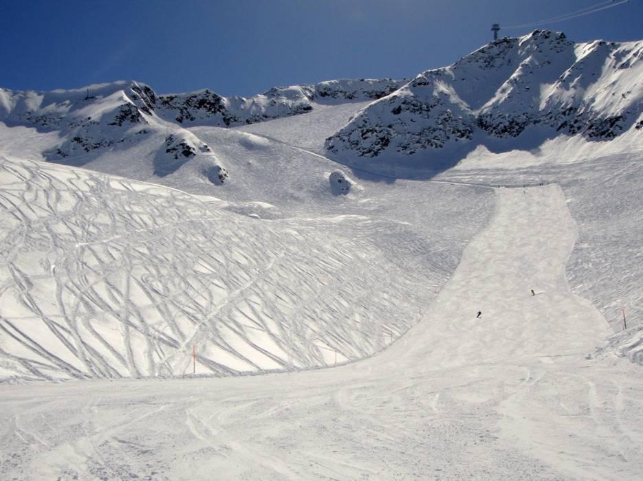 Ski resort Gemsstock Andermatt Skiing Gemsstock Andermatt