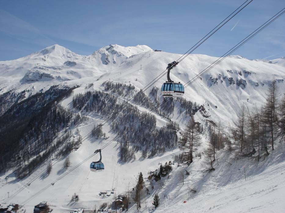 Ski lifts TignesVal dIsre cable cars TignesVal dIsre lifts