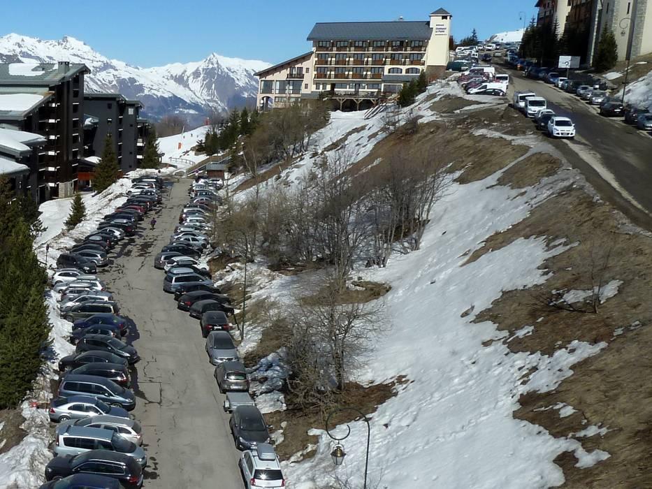 Parking Les 3 Valles Val ThorensLes MenuiresMribelCourchevel