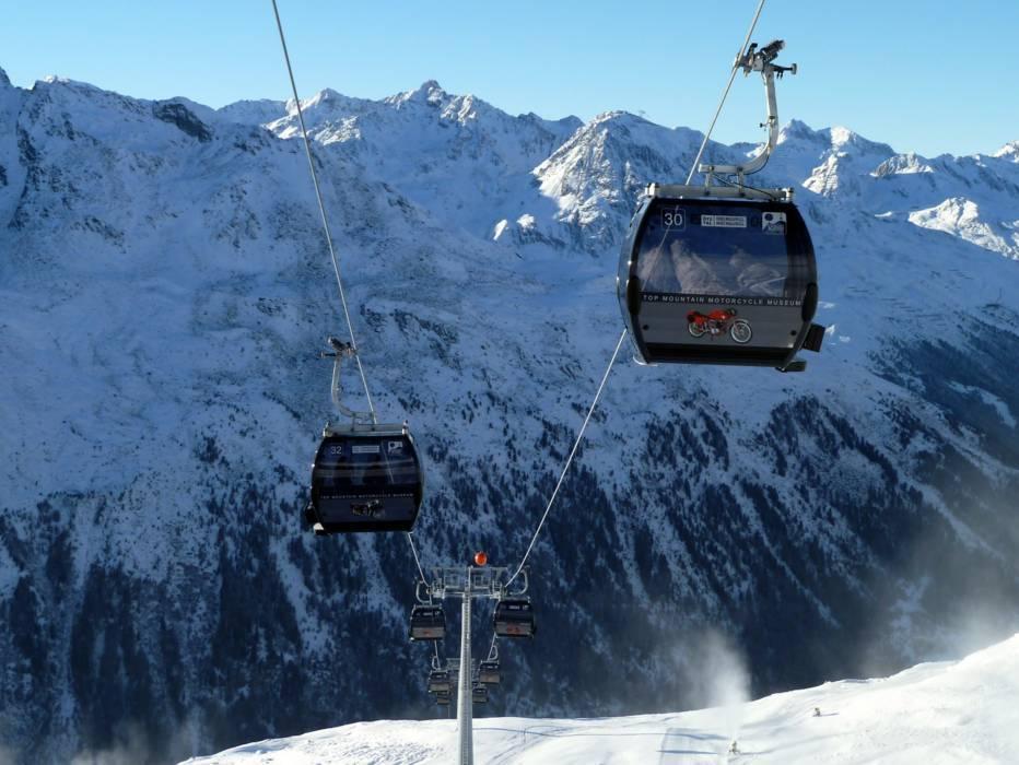 Kirchenkarbahn I 10pers Gondola lift with