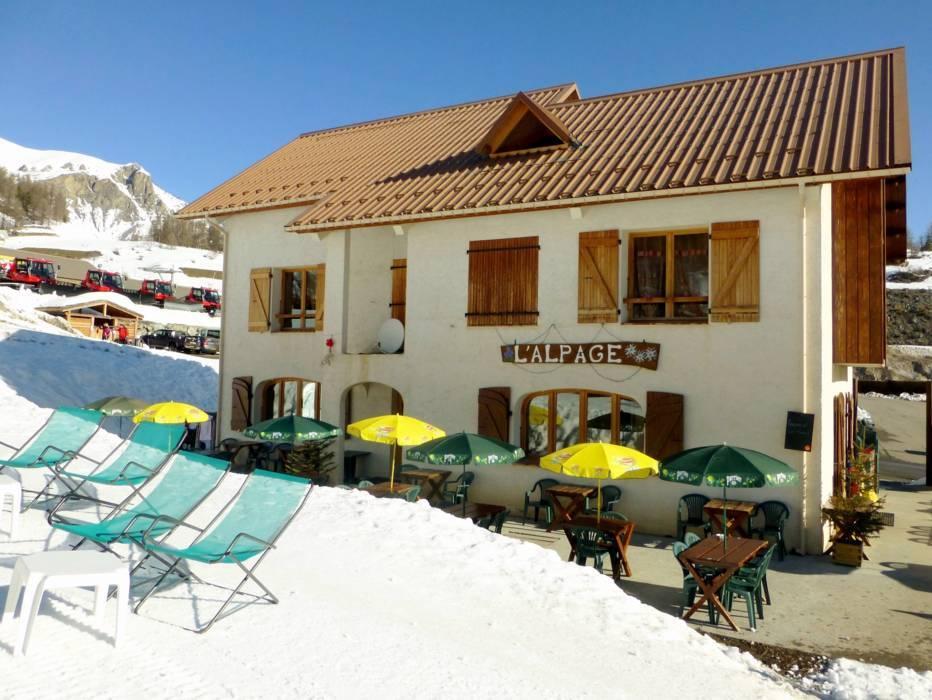 ski resort auron saint etienne de tin e skiing auron saint etienne de tin e. Black Bedroom Furniture Sets. Home Design Ideas