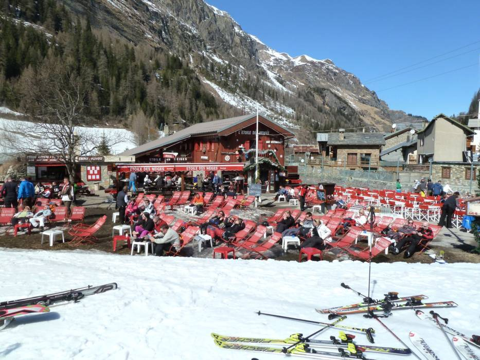 mountain restaurants huts tignes val d 39 is re gastronomy tignes val d 39 is re. Black Bedroom Furniture Sets. Home Design Ideas