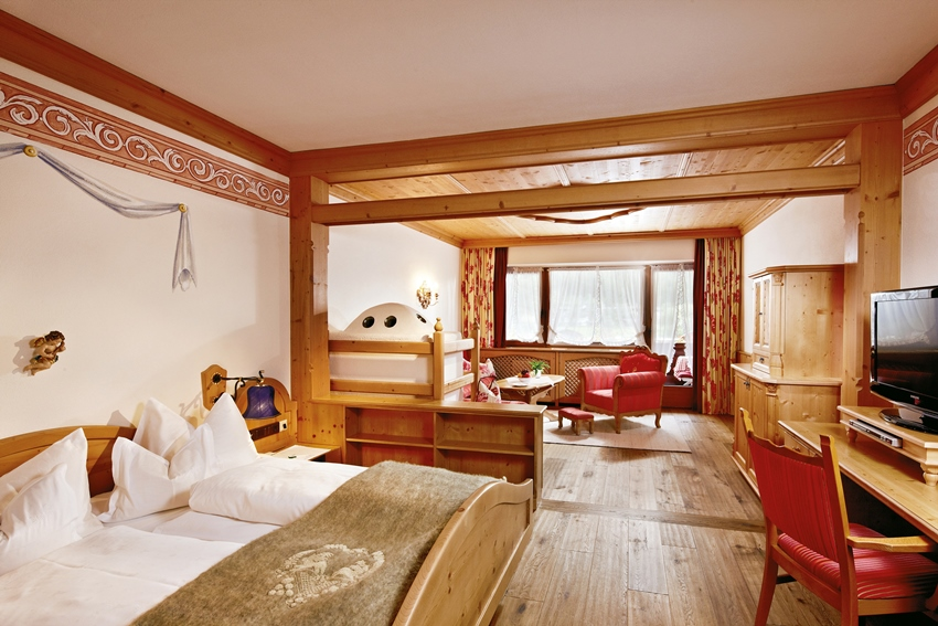 relais ch teaux spa hotel jagdhof in neustift im stubaital. Black Bedroom Furniture Sets. Home Design Ideas